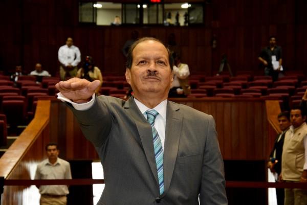 Juez ordena al Congreso de Veracruz reinstalar a magistrado
