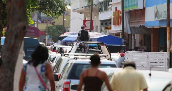 Negocios del centro de Coatzacoalcos presentan aglomeraciones