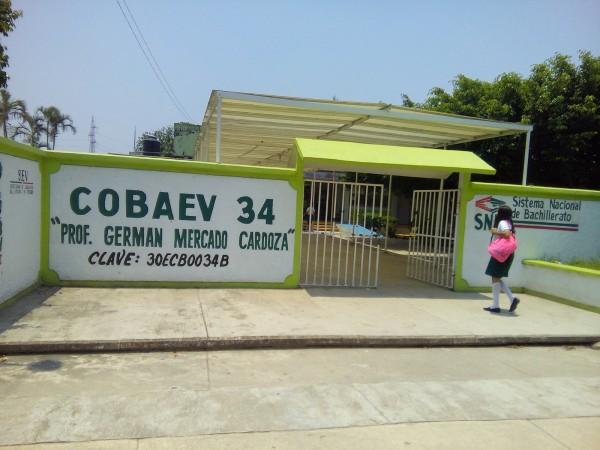 Les imponen cuota a padres de familia en Cobaev 34 y 21