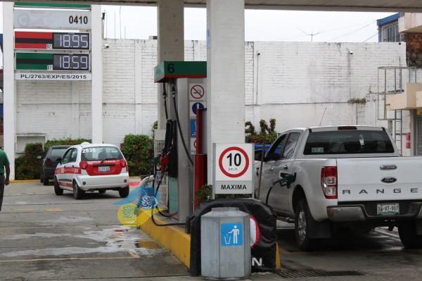 Se reconocerá a gasolineros que venden litros de a litro
