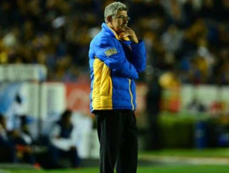 Tuca Ferretti seguirá siendo DT de Tigres