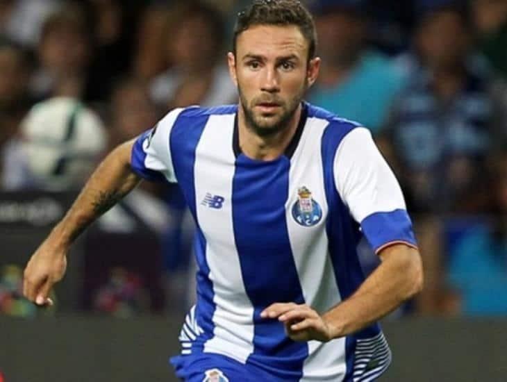 Miguel Layún en contra de reanudar futbol profesional