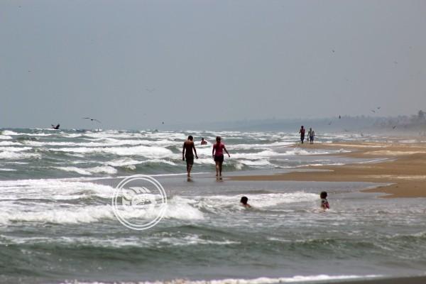 Toca a los alcaldes decidir sobre el cierre de playas: Cuitláhuac