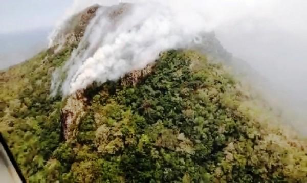 Clima impide liquidación total de incendio en Veracruz