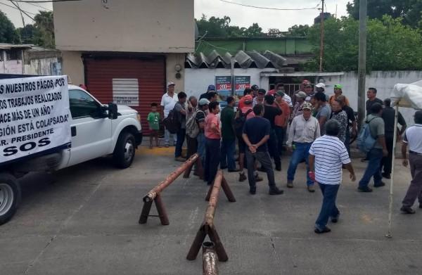 Pese a protestas en la Lázaro Cárdenas, Pemex sin respuesta