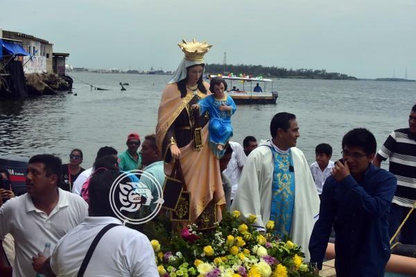 Tradicional misa y paseo a la Virgen del Carmen en Allende