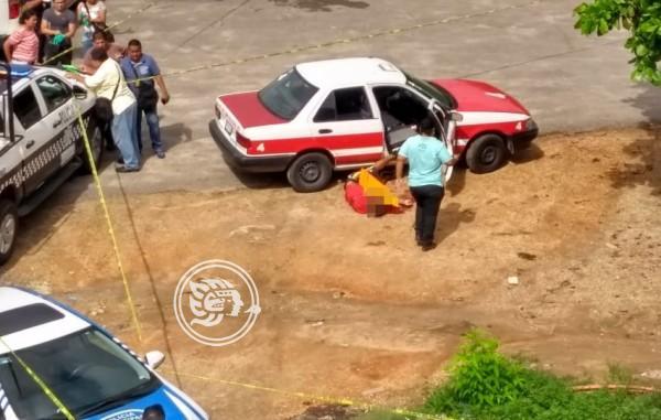 Asesinan a taxista en Cosolea; lo vinculan al narcomenudeo