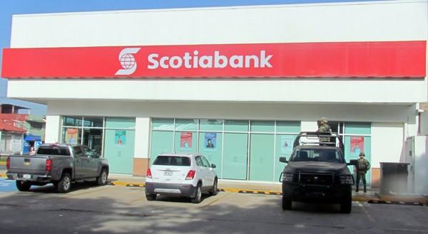 Intentan robar cajero de banco en Minatitlán