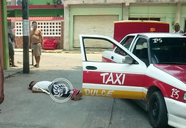 Persiguen a taxista de Agua Dulce para ejecutarlo