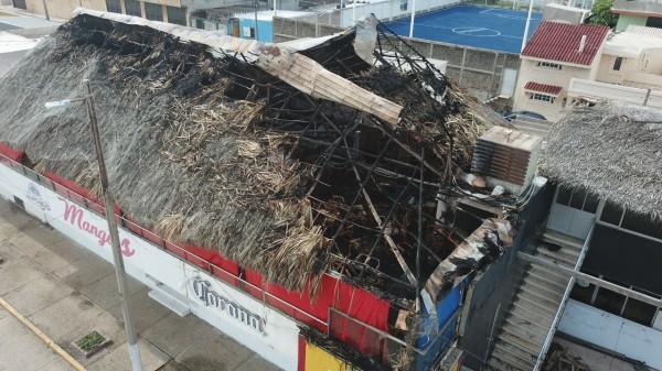 Incendian el bar Mangos en el Malecón de Coatzacoalcos