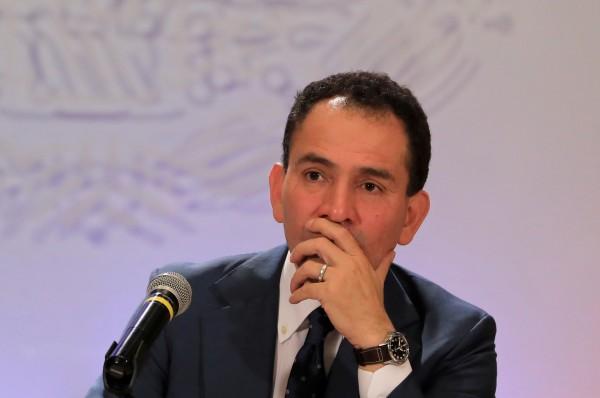 Economía cayó 18 por ciento en abril: Arturo Herrera