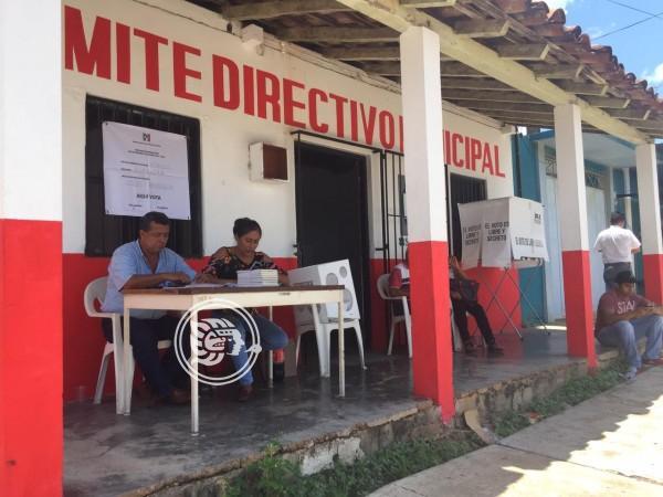 Priistas acayuqueños mantienen esperanza de que el partido reviva