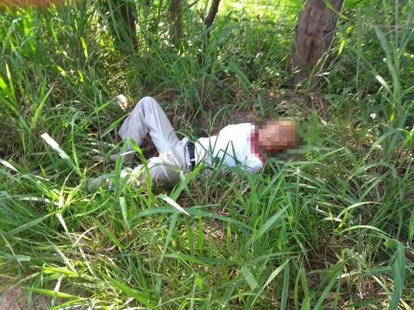 Encuentran cuerpo con herida en la yugular en Cosolea