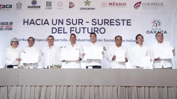 IP y gobernadores firman Pacto Oaxaca; agenda para el sur-sureste