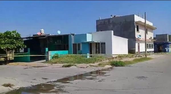 Asesinan a asesor de bienes raíces al interior de su casa en Coatzacoalcos