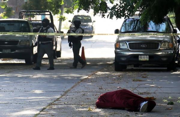 Dejan cuerpo ensabanado en el centro de Coatzacoalcos