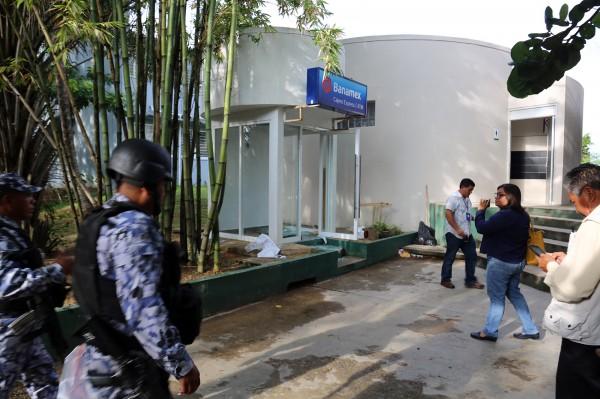Roban cajero automático de la UV campus Coatzacoalcos