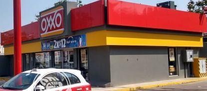 Vecinos de fraccionamiento en Mina se oponen a construcción de Oxxo