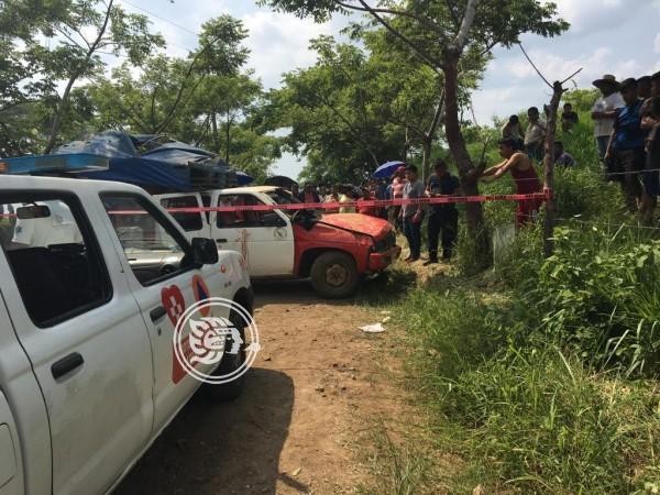 Saldo de 2 muertos y 11 heridos tras volcadura en Hueyapan