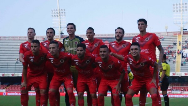 Querétaro golea 5-0 a Veracruz ante un Pirata casi vacío