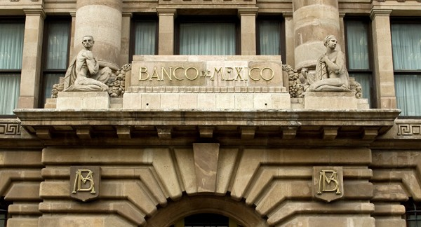 Sorprende Banxico con recorte de 50 puntos base a la tasa de interés