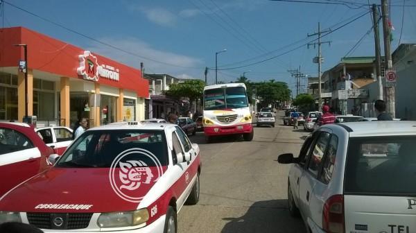 Escasez de agua y apagones no cesan en Cosoleacaque