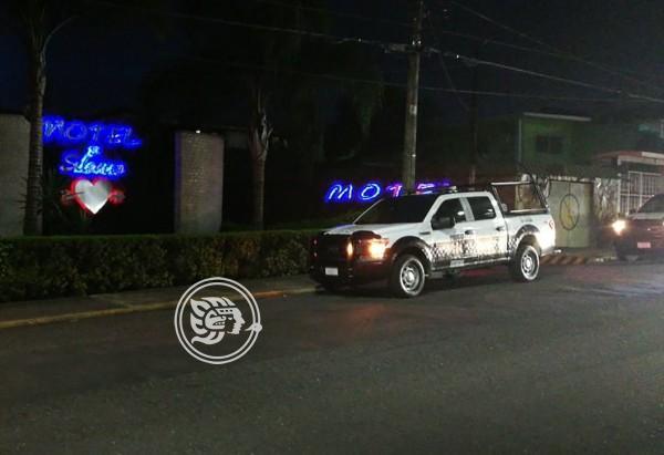 Irrumpen habitación de motel en Córdoba y asesinan a cliente