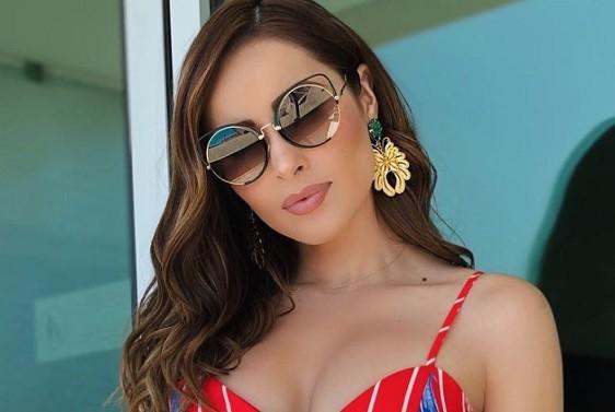 Cynthia Rodríguez casi muestra su parte intima