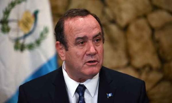 Venezuela impide la entrada a presidente electo de Guatemala
