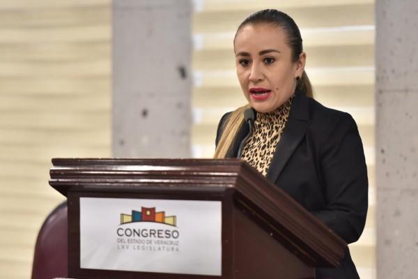 Plantea diputada iniciativa que prevé evitar rezago en comisiones legislativas