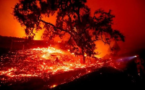 Incendios en California ya avanzaron a México
