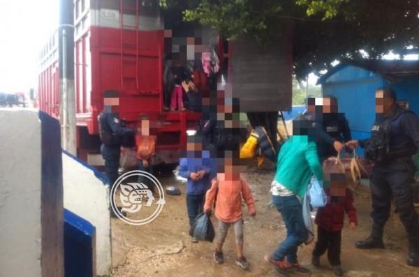 Asegura SSP a cien migrantes en el sur de Veracruz, hay dos detenidos