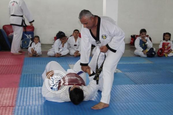 Celebra MDK 11 años de impulsar el Tae Kwon Do en Agua Dulce