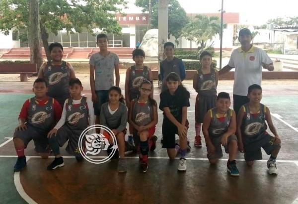 Canguros se aplicó y venció a Cachorros en basquetbol infantil