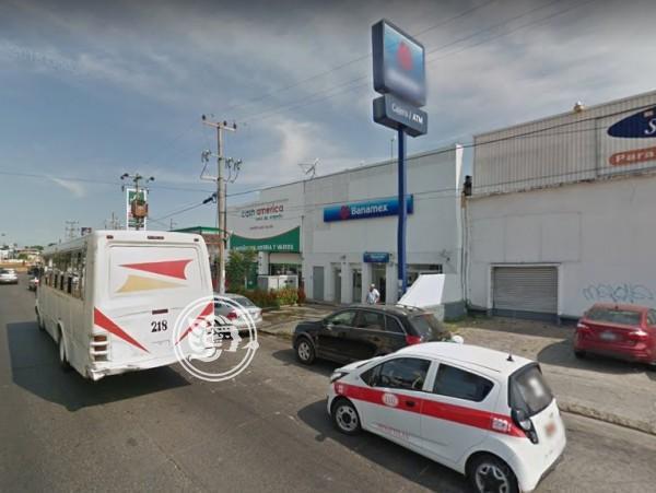 Asaltan a cuenta habiente de Banamex; la despojan de 40 mil pesos