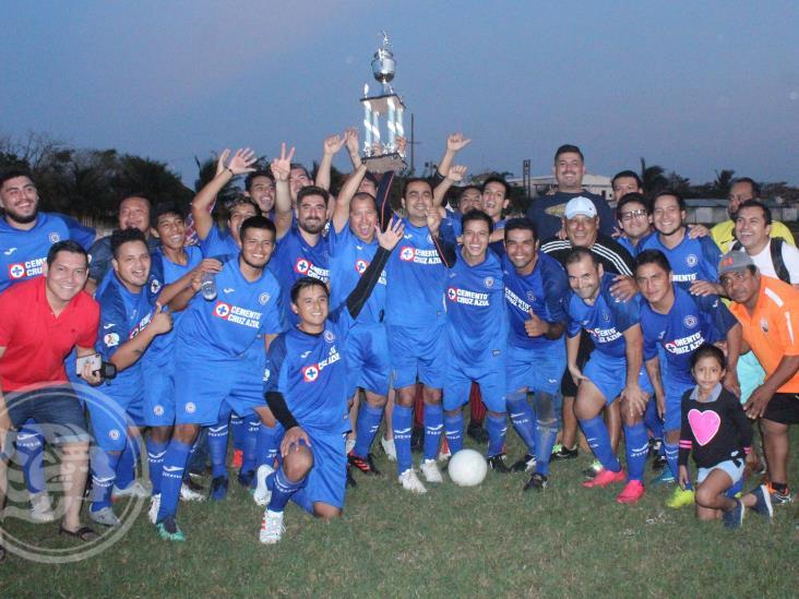 Dorados corona en la 8a. Copa Revolución del Futbol Municipal