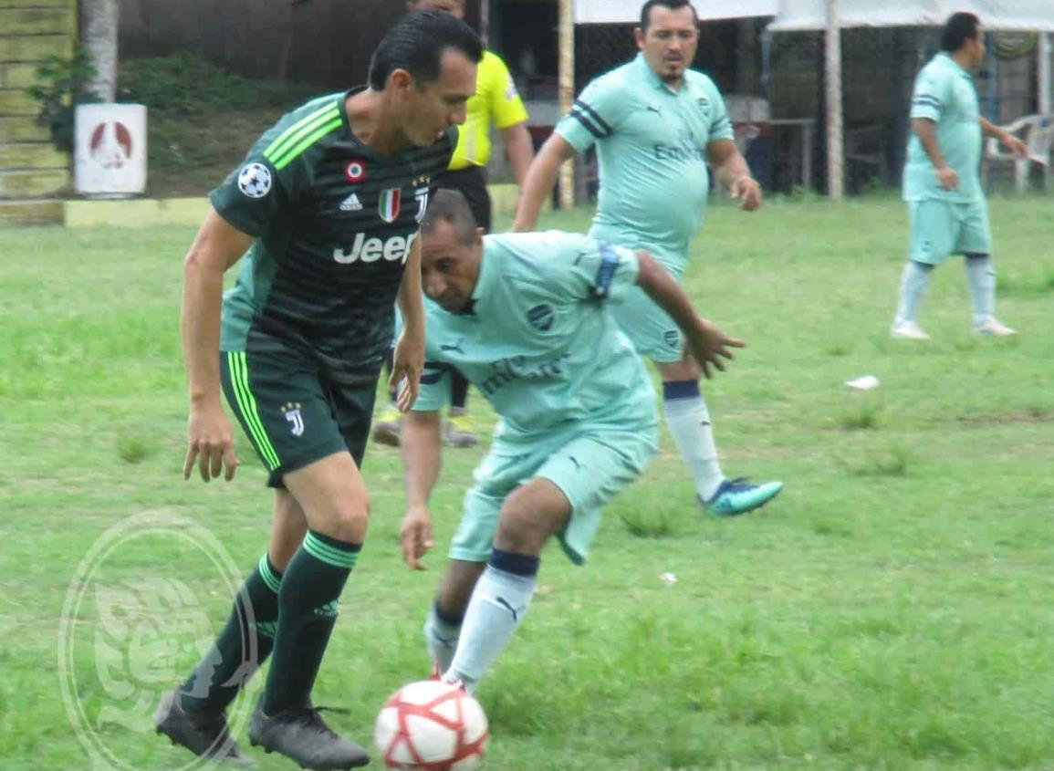 Innophos con un pie en semifinales en futbol M-40