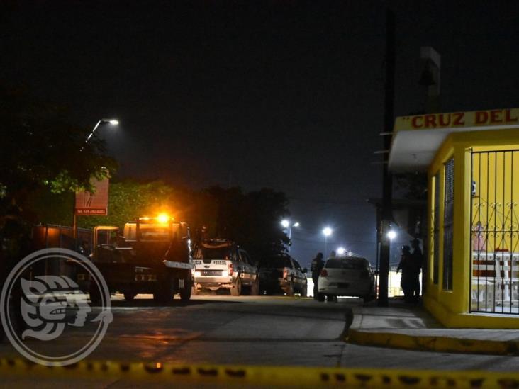 SSP ubica auto robado cerca de panteón en Acayucan