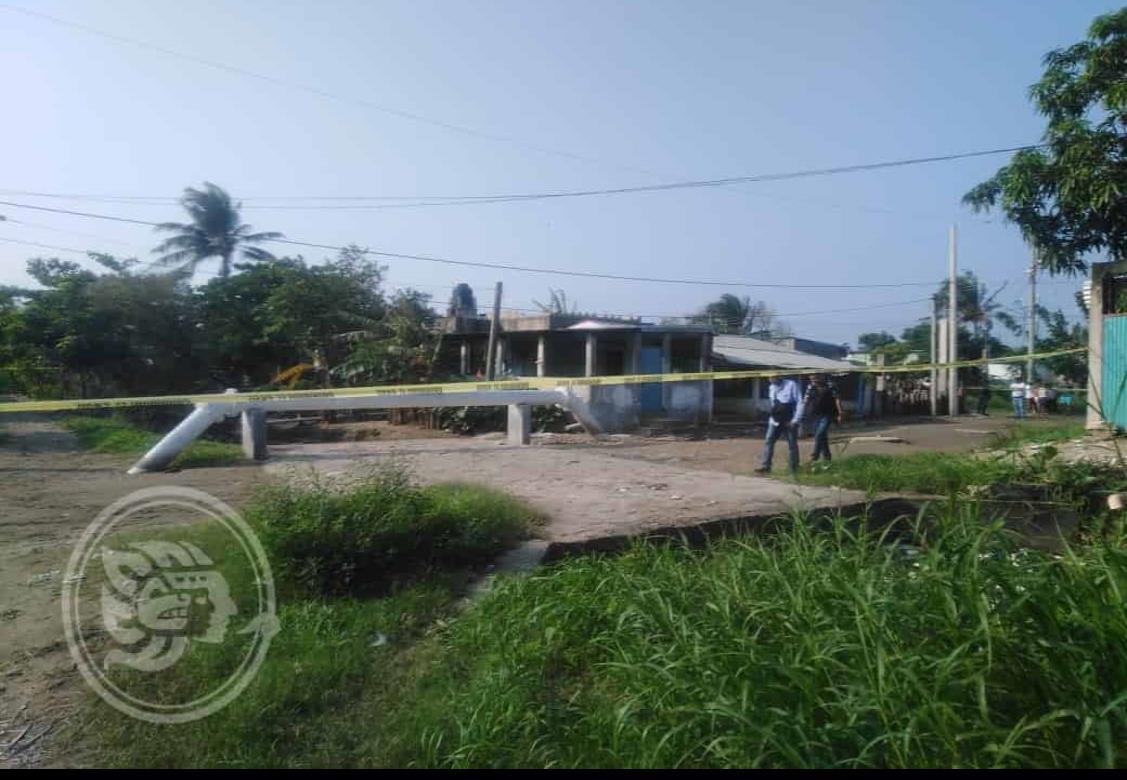 Joven aparece muerto en canal de aguas negras en Coatzacoalcos