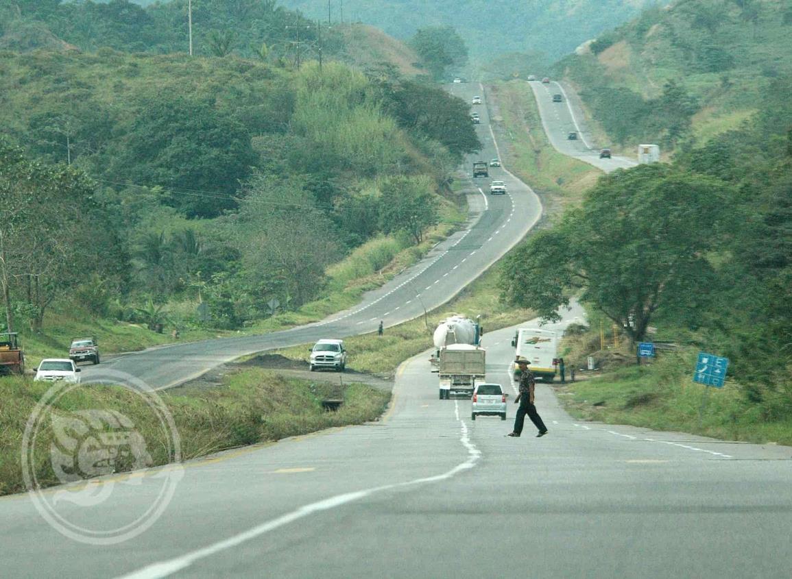 Piden reparación de tramo carretero en la Coatza-Villa
