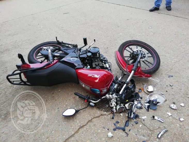 Dos accidentes de motocicleta en Acayucan; tres lesionados