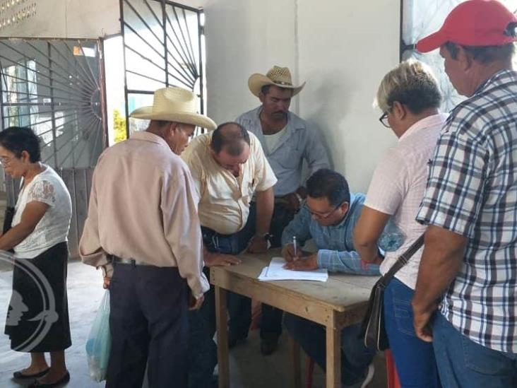 Lluvia de reclamos recibió CFE en San Juan Evangelista