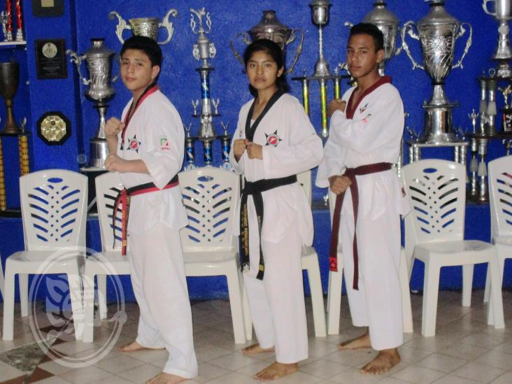 Taekwondoínes con la mira en eventos internacionales