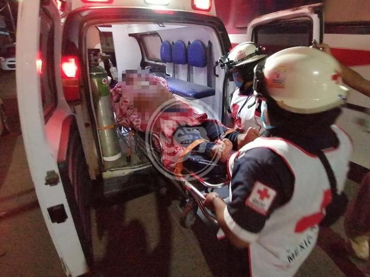 En Minatitlán, golpean brutalmente a joven y lo lesionan con arma blanca