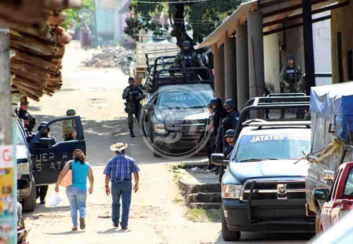 Ante enfrentamientos entre cárteles, pueblos de Guerrero son abandonados