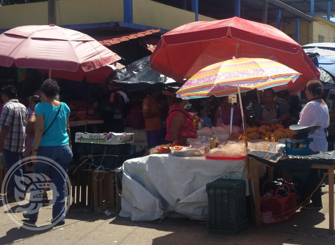 Elevan precios a la canasta básica en Minatitlán