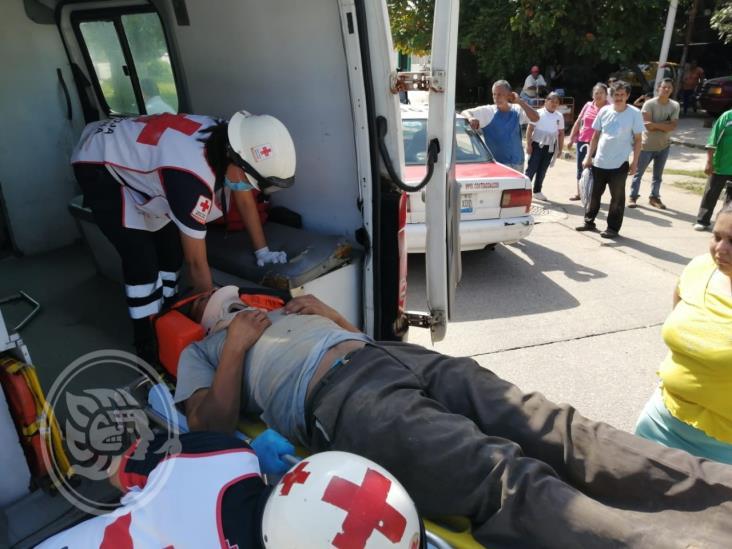 Cruz Roja auxilia a dos atropellados en Coatzacoalcos