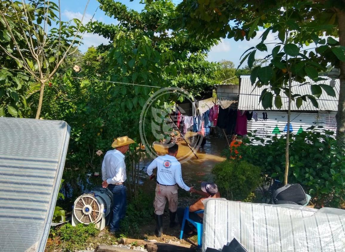 En Jesús Carranza, casi 100 familias sufren por severas inundaciones