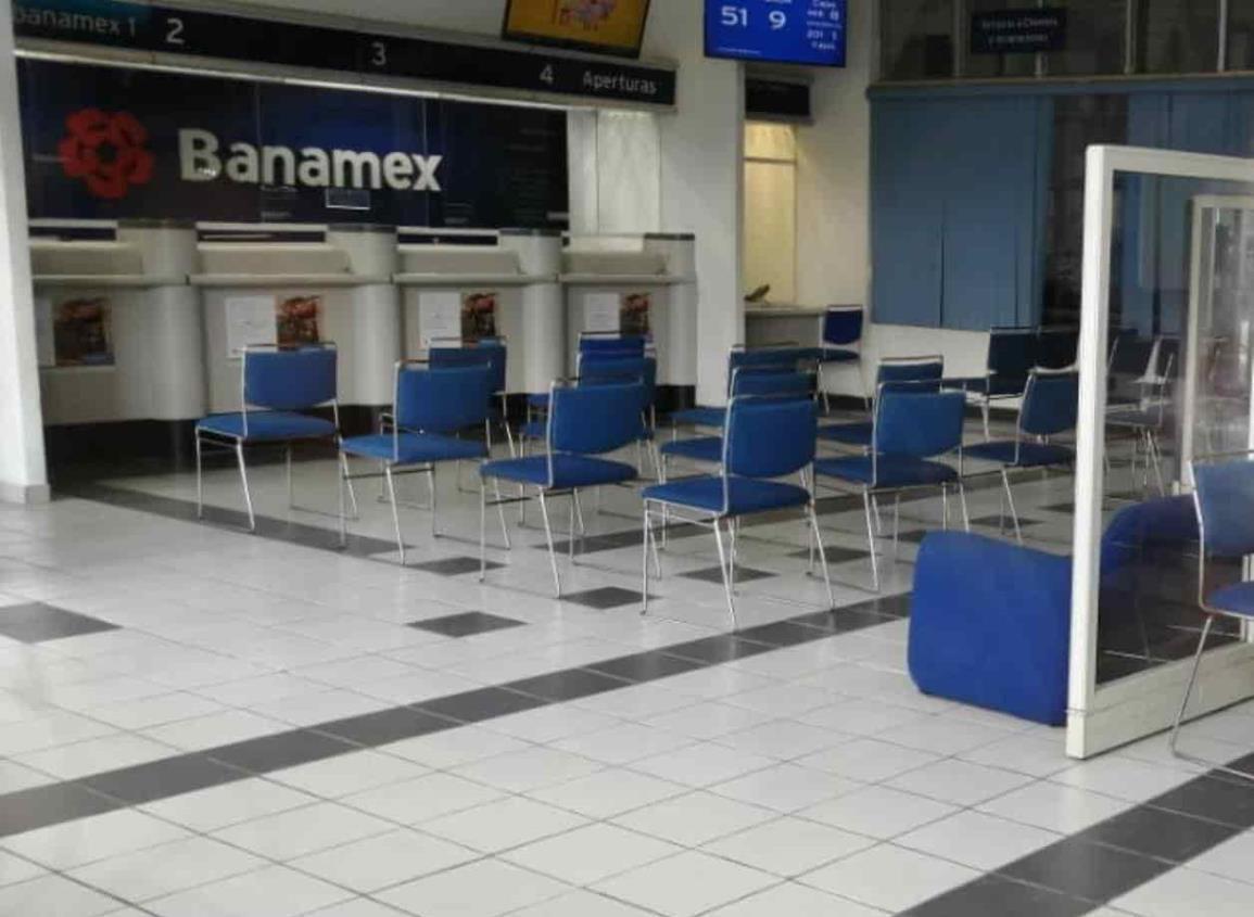 31 mil pesos fueron sustraídos en robo a Banamex de Agua Dulce