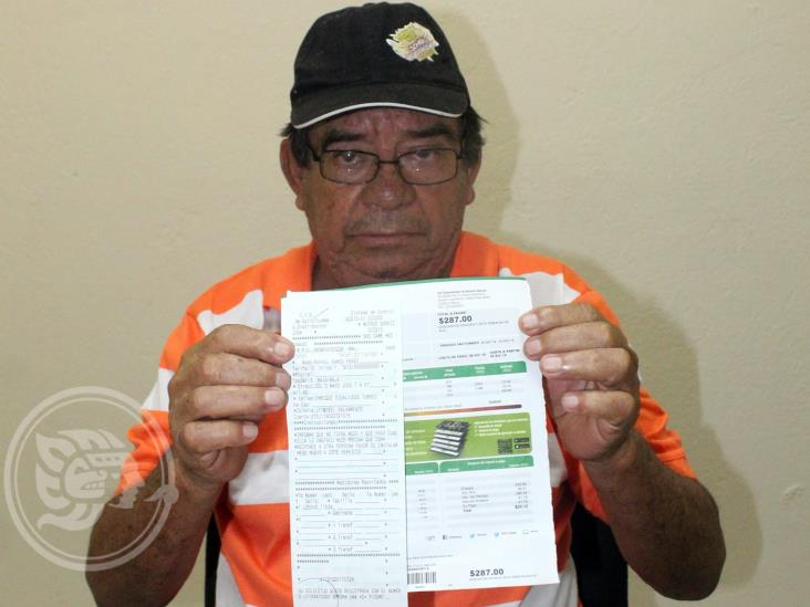 Habitante de Agua Dulce inconforma cobro excesivo de CFE